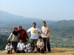 Di Kampung Toga, bukit di sebelah KAS Nangorak